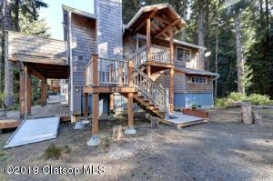 348 N Chinook St., Cannon Beach, OR 97103