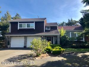 89713 Sea Breeze Dr, Warrenton, OR 97146