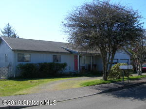 815 15th Ave, Seaside, OR 97138
