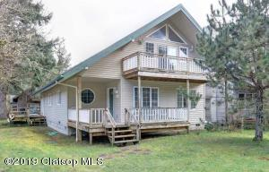 515 N Larch St, Cannon Beach, OR 97110