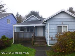 1837 7th St, Astoria, OR 97103