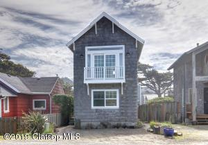 213 W Siuslaw St, Cannon Beach, OR 97110