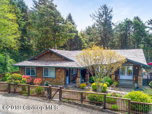 147 Amber Ln, Cannon Beach, OR 97110
