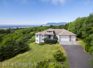 9705 Scenic View Drive, Rockaway Beach, OR 97136