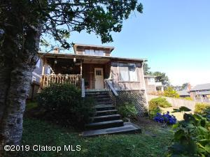 116 N Larch St, Cannon Beach, OR 97110