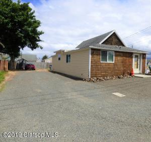840 Section Line Rd, Seaside, OR 97138