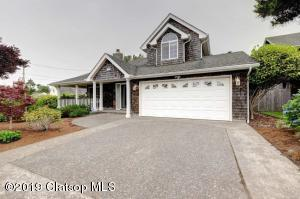 420 Farrell Ct, Seaside, OR 97138