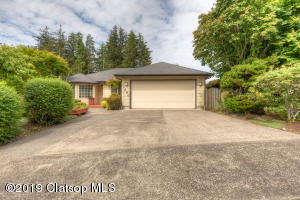1680 Huckleberry Dr, Seaside, OR 97138