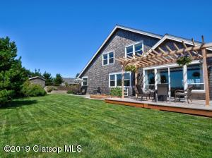 415 Lanthorn Ln, Gearhart, OR 97138