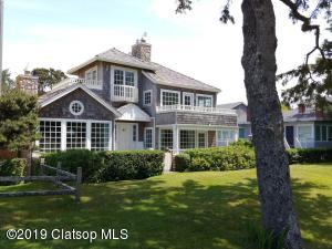 158 N Larch St, Cannon Beach, OR 97110