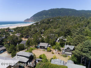 Ready to realize your dream beach get away in the heart of Manzanita?