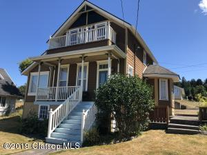 842 35th St, Astoria, OR 97103