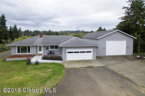 93089 Country Rd, Astoria, OR 97103