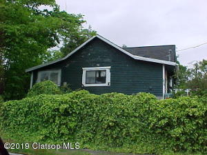 1010 2nd Ave, Seaside, OR 97138