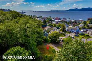836 33rd St, Astoria, OR 97103
