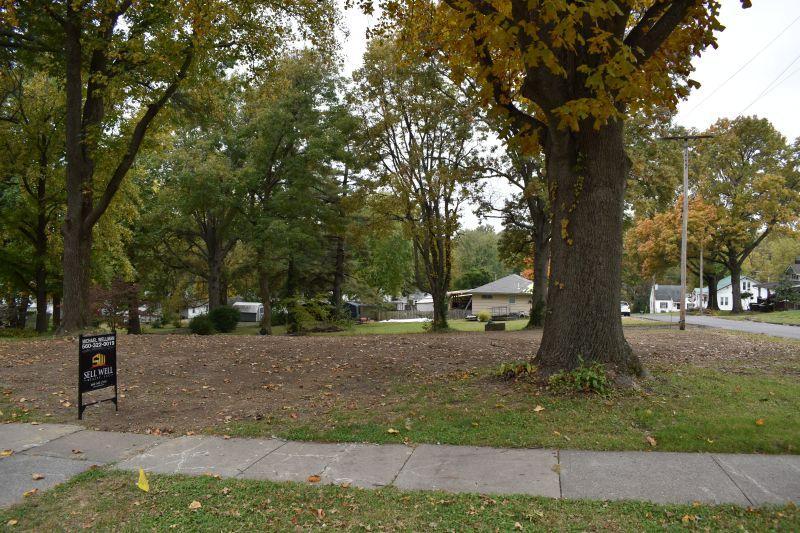 Farm/Ranch/Land for sale – 815  Main   Carrollton, MO