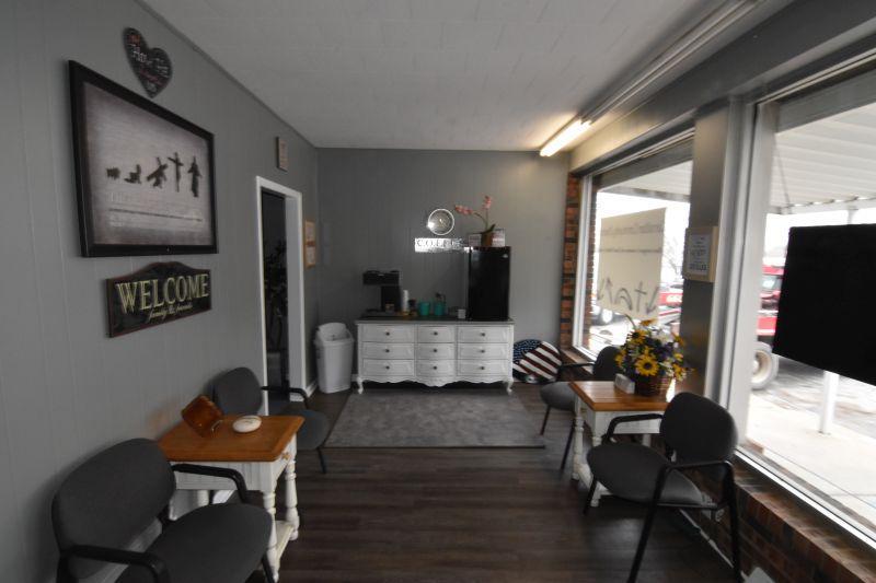 Commercial for sale – 13  Washington   Carrollton, MO