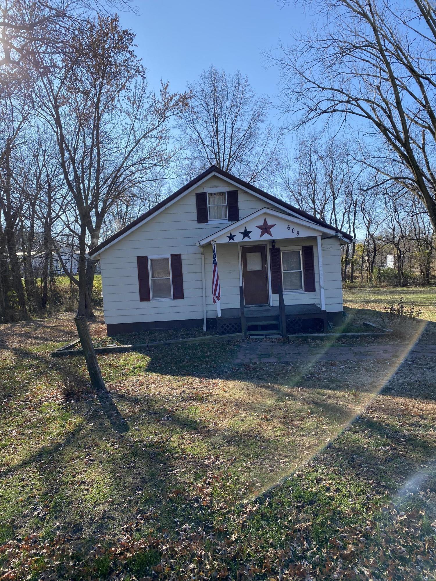 Residential for sale – 608 E 4th   Carrollton, MO