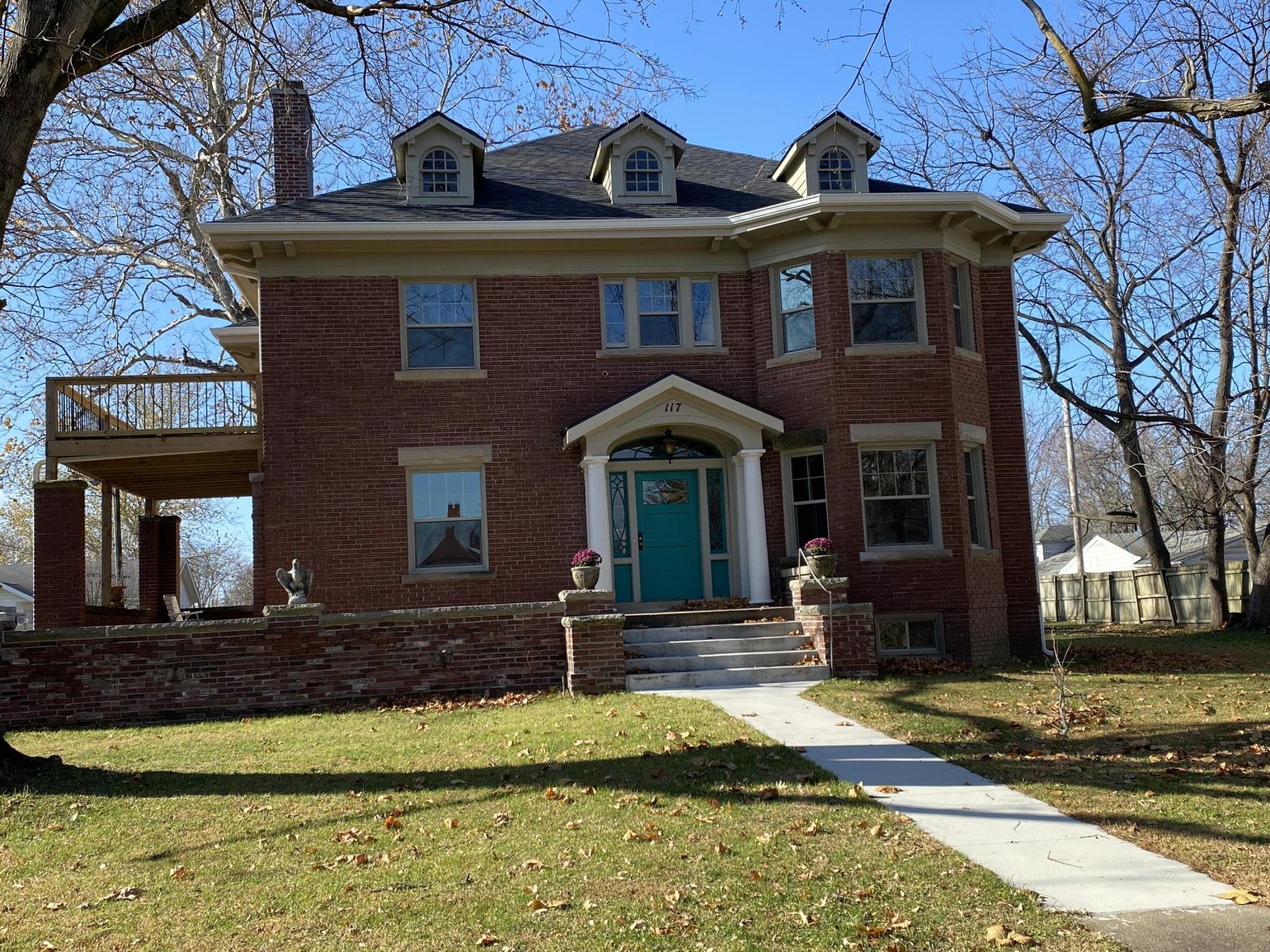 Residential for sale – 117  Monroe   Carrollton, MO