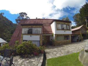 Casa En Ventaen Bogota, La Calera, Colombia, CO RAH: 18-3