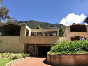 Casa En Ventaen Bogota, Altos Del Chico, Colombia, CO RAH: 18-5
