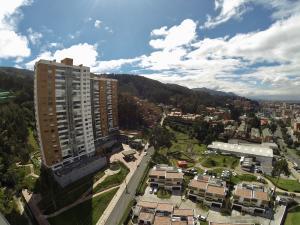Apartamento En Ventaen Bogota, Bosque De Pinos, Colombia, CO RAH: 18-32