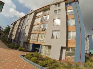 Apartamento En Ventaen Bogota, Castilla, Colombia, CO RAH: 18-34