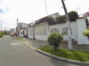 Casa En Ventaen Bogota, Villa Claudia, Colombia, CO RAH: 18-37