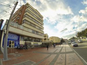 Oficina En Ventaen Bogota, Castellana, Colombia, CO RAH: 18-39