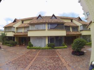 Casa En Ventaen Bogota, Cedritos, Colombia, CO RAH: 18-56