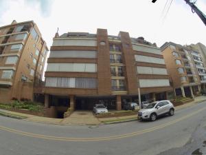 Apartamento En Ventaen Bogota, Chico Navarra, Colombia, CO RAH: 18-57