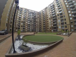 Apartamento En Ventaen Bogota, Sotavento, Colombia, CO RAH: 18-62