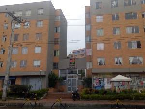 Apartamento En Ventaen Bogota, Candelaria La Nueva, Colombia, CO RAH: 18-18
