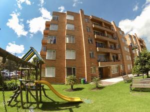 Apartamento En Ventaen Bogota, Mazuren, Colombia, CO RAH: 18-73