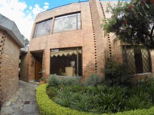 Casa En Ventaen Bogota, San Patricio, Colombia, CO RAH: 18-75