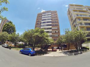 Apartamento En Ventaen Bogota, Nogal, Colombia, CO RAH: 18-82