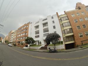 Apartamento En Ventaen Bogota, Santa Bárbara, Colombia, CO RAH: 18-92
