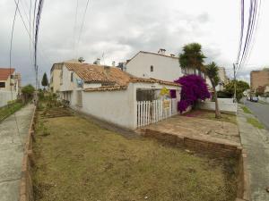 Casa En Ventaen Bogota, Cedritos, Colombia, CO RAH: 18-104