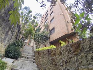 Apartamento En Arriendoen Bogota, Rosales, Colombia, CO RAH: 18-109