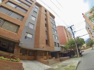 Apartamento En Ventaen Bogota, Chico, Colombia, CO RAH: 18-122