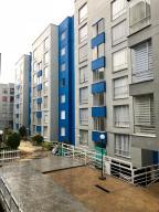 Apartamento En Ventaen Bogota, La Campiña, Colombia, CO RAH: 18-94
