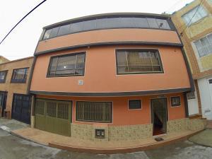 Casa En Ventaen Bogota, Socorro, Colombia, CO RAH: 18-143