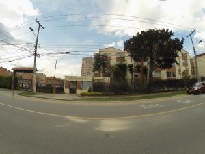 Apartamento En Ventaen Bogota, La Campiña, Colombia, CO RAH: 18-161