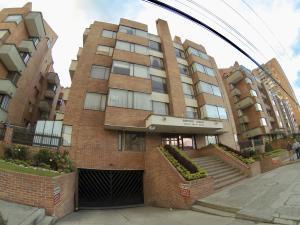 Apartamento En Ventaen Bogota, Colina Campestre, Colombia, CO RAH: 18-175