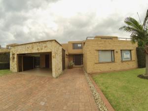 Casa En Arriendoen Cajica, Cajica, Colombia, CO RAH: 18-180
