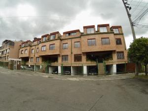 Apartamento En Ventaen Bogota, Modelia, Colombia, CO RAH: 18-193