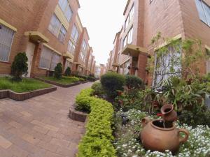 Casa En Ventaen Bogota, Modelia, Colombia, CO RAH: 18-194