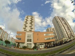 Apartamento En Ventaen Bogota, Salitre, Colombia, CO RAH: 18-201
