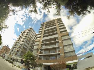 Apartamento En Ventaen Bogota, Cedritos, Colombia, CO RAH: 18-243