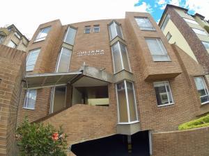 Casa En Ventaen Bogota, Cedritos, Colombia, CO RAH: 18-244